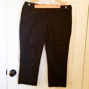 🌻2/$24 NewYork&Company ComfortFit Black Capris